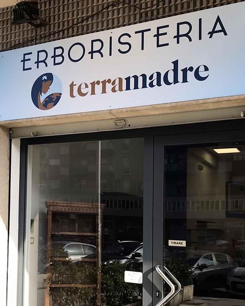 Insegna stampa su Forex Erboristeria Terramadre, Palermo 2018