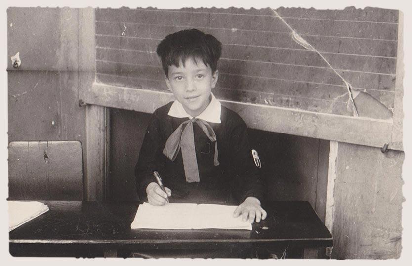 Restauro foto scolaro anni 60 foto antica